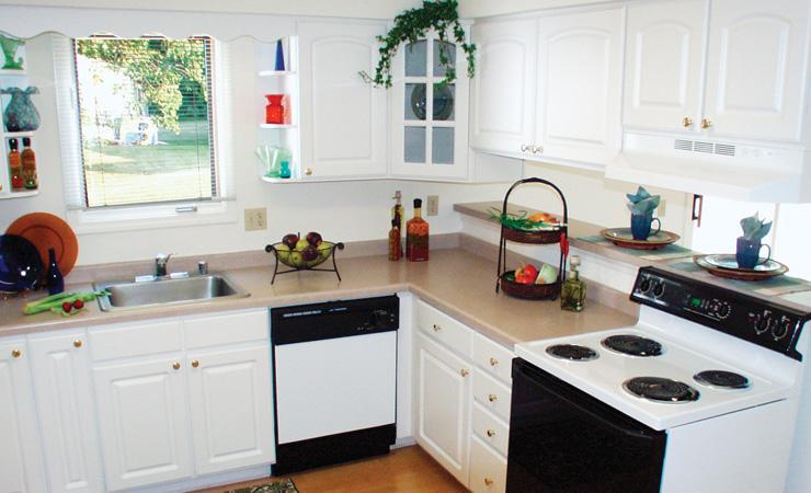 Madison Duplex Rentals - Model Kitchen